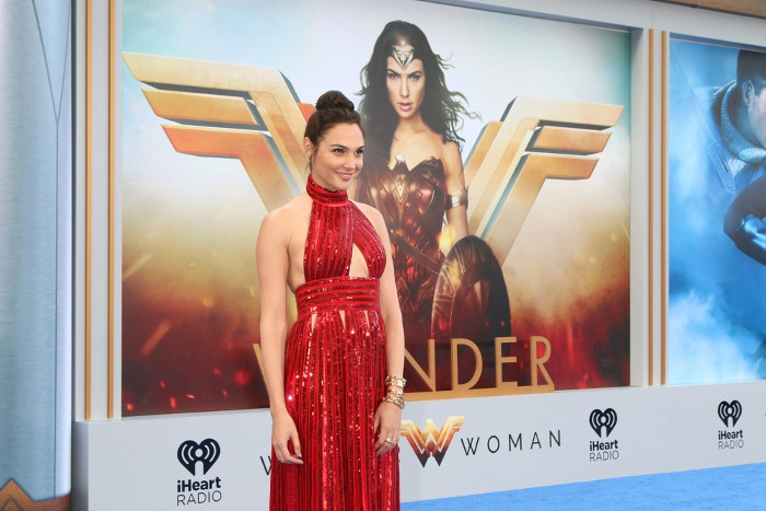 Inspirasi Berpakaian Ala Wonder Woman