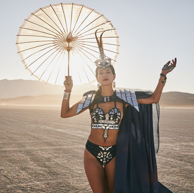 Penampilan Fashion Paling Gila di Burning Man 2019