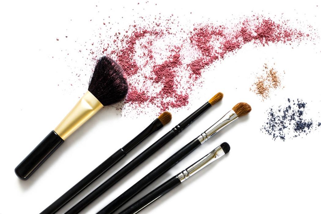 7 Kuas Makeup untuk Hasil Riasan Pro