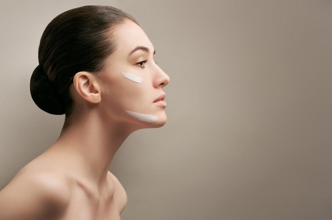 Tip Memilih Kosmetik untuk Kulit Sensitif