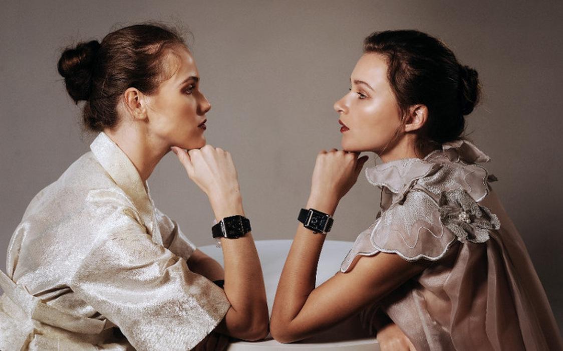 Perempuan Mengenakan Jam Tangan Mekanis, Mengapa Tidak?