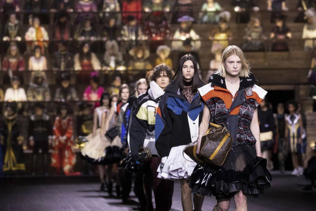 Anakronisme Gaya dari Rumah Mode Louis Vuitton