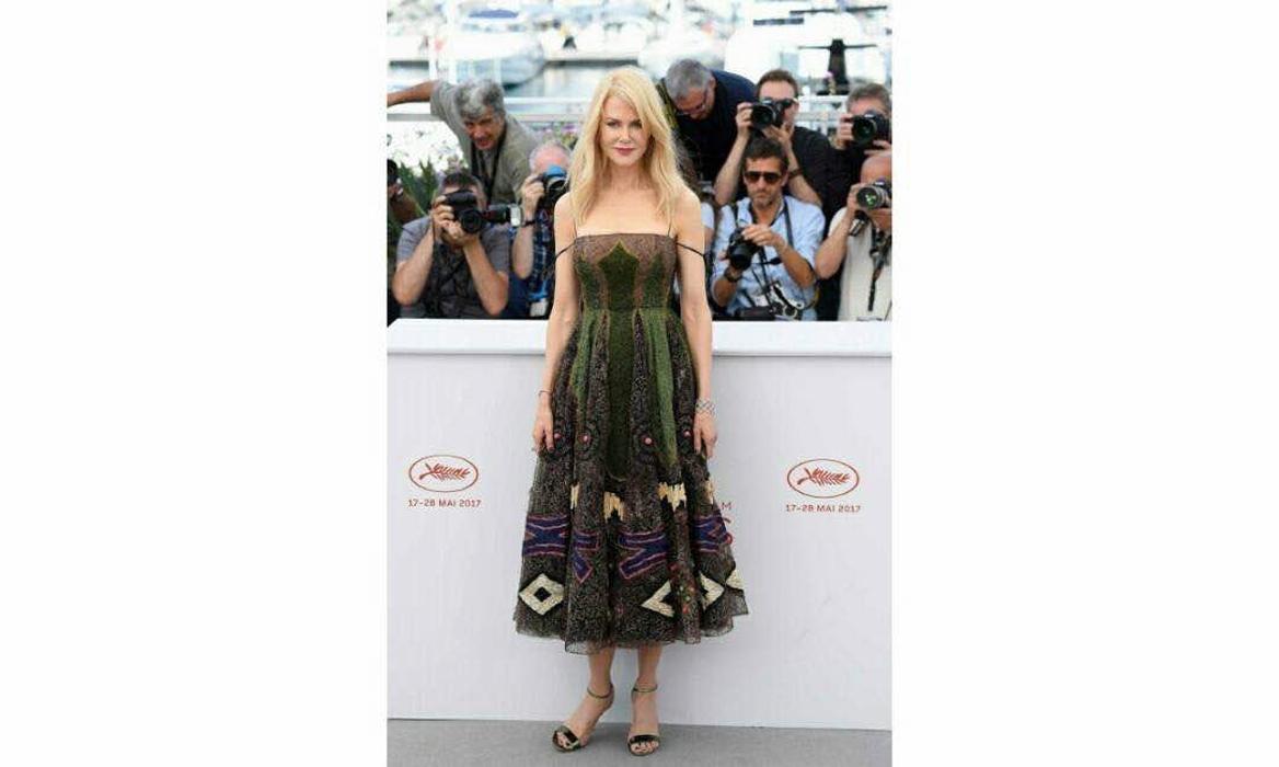 Gaun Fantastis Nicole Kidman Rancangan Dior