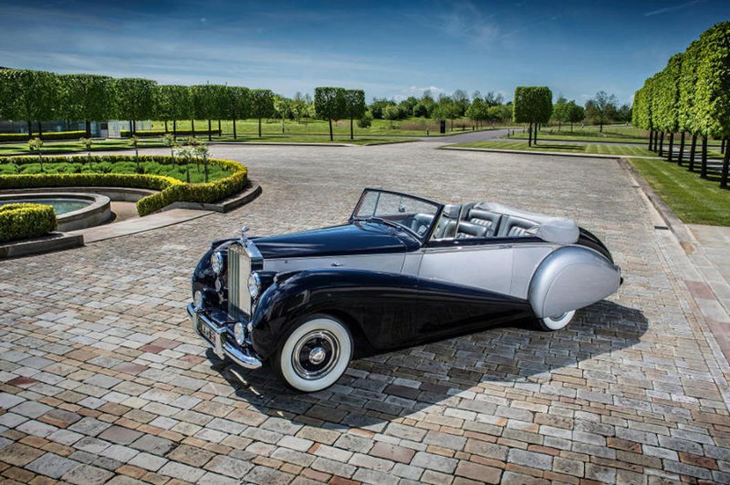 Perkenalan Rolls-Royce Dawn