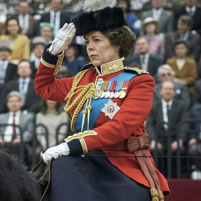 14 Alasan Anda Harus Menyaksikan Serial Netflix The Crown yang Bercerita Tentang Kerajaan Inggris