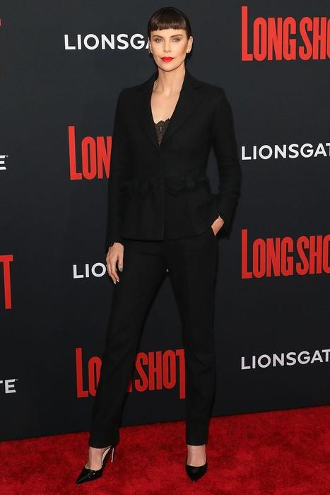 Charlize Theron Melepas Peran Sebagai Ibu Wonder Woman