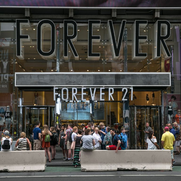Forever 21 Dikabarkan Akan Bangkrut