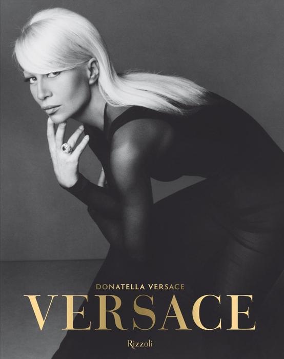 Donatella Versace Karang Buku Terbaru
