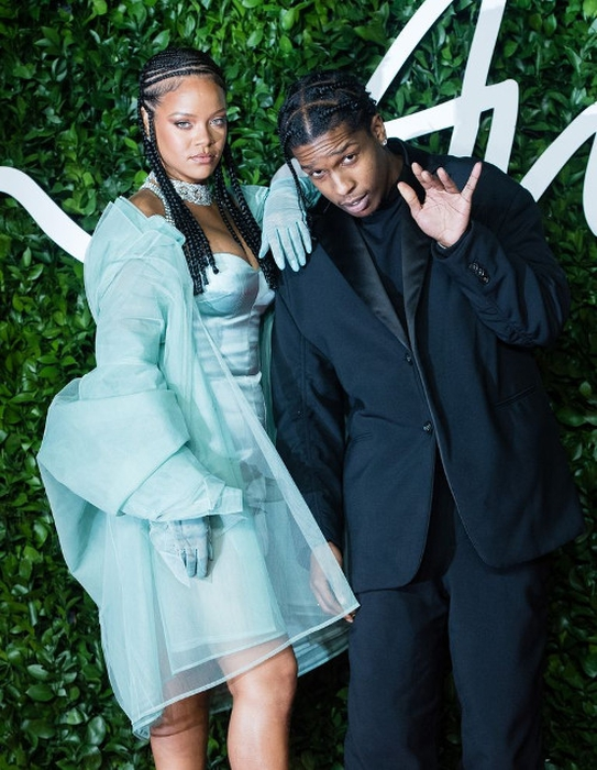 Twitter Bereaksi Atas Rumor Hubungan Rihanna dan A$AP Rocky