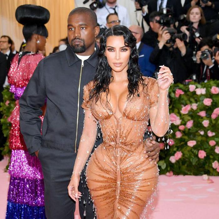 Kim Kardashian Menangkan Gaun Paling Ketat di Met Gala 2019