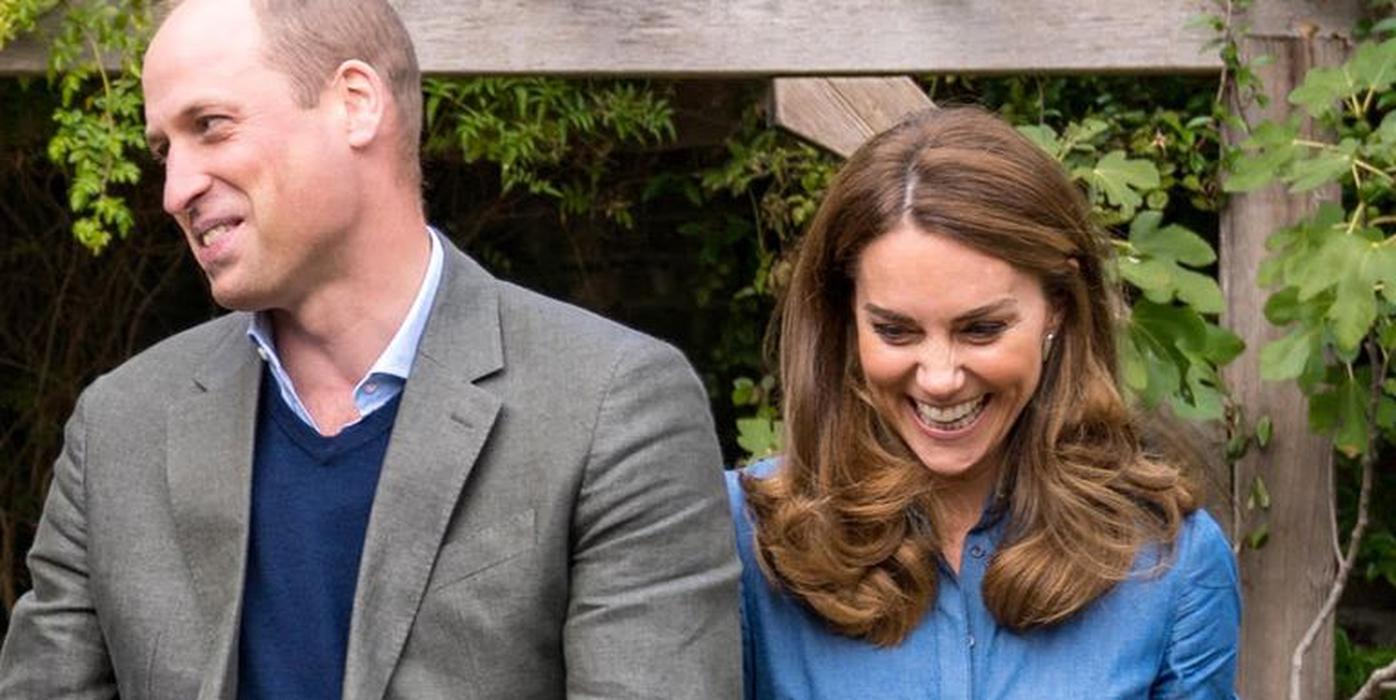 Sambut Musim Gugur, Kate Middleton Kenakan Gaun Denim