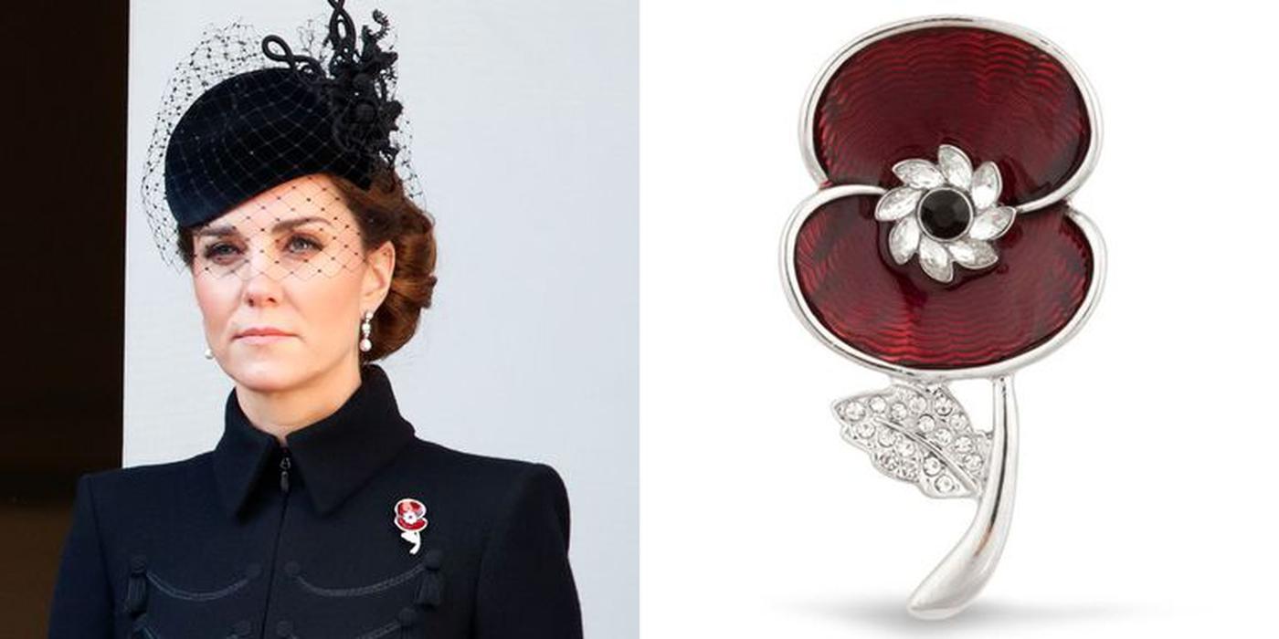 Kate Middleton Mengenakan Bros Sebagai Tribut untuk Neneknya