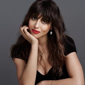 Violette Serrat Ditunjuk Sebagai Direktur Kreatif Makeup untuk Guerlain