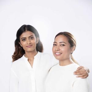 Dua Sosok Perempuan Hebat Nepal Menerima Penghargaan Dari Clé De Peau Beauté
