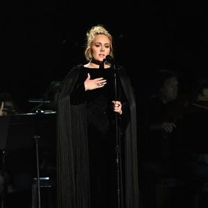 Cara Adele Buktikan Bahwa Banyak Orang Menyukai Lagu Tentang Patah Hati