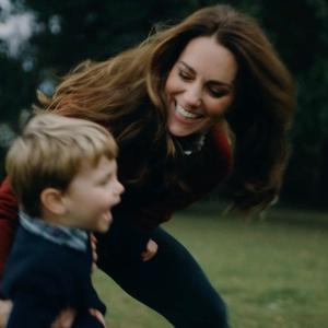 """Kate Middleton: Pangeran Louis """"Terlalu Cepat"""" Saat Mengendarai Skuter Kesayangannya"""