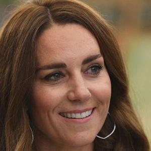 Kate Middleton Terlihat Mengenakan Gelang Mutiara milik Putri Diana