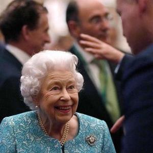 Ratu Elizabeth Batalkan Perjalanan ke Irlandia Utara Atas Rekomendasi Dokter