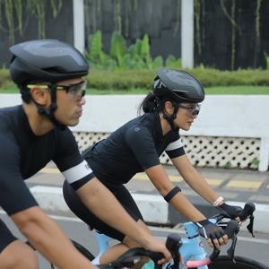 Epic Couple Riding: Keseruan Melatih Skill Bersepeda Road Bike Bersama Pasangan