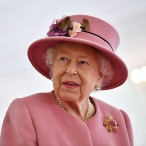 Potret Terbaru Ratu Elizabeth Mengenakan Perhiasan Dari Tahun Pernikahannya