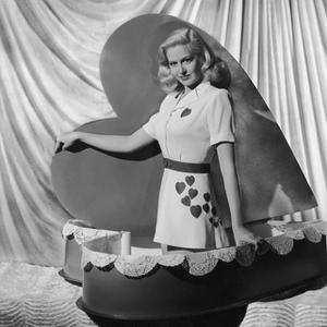 19 Foto Vintage dari Para Pesohor Dunia Saat Rayakan Hari Valentine