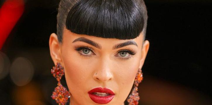 22 Tampilan Tata Rambut & Riasan Terbaik Langsung dari Karpet Merah Met Gala 2021