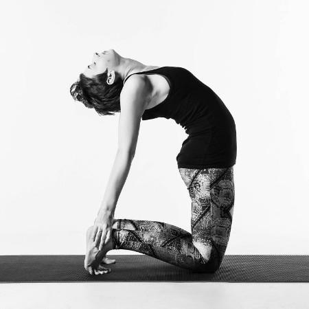 5 pose yoga untuk membantu mengencangkan payudara
