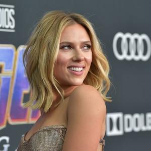 Scarlett Johansson Ajukan Gugatan Kepada Disney atas Perilisan Streaming Black Widow