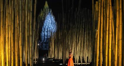 Lakon Indonesia Menggelar Fashion Show Gantari di Kompleks Candi Prambanan