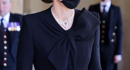 Kate Middleton Kenakan Kalung Mutiara yang Pernah Dipinjamkan Ratu Elizabeth Kepada Putri Diana