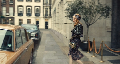 Lihat Wujud Tas Louis Vuitton yang Dikenakan Oleh Cruella