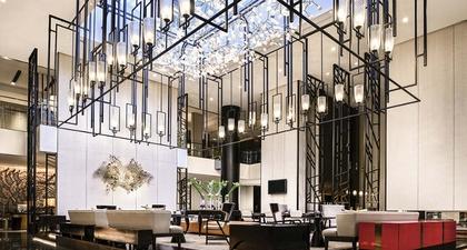 Pullman Bandung Grand Central, Hotel Modern yang Berpadu dengan Seni dan Budaya Jawa Barat