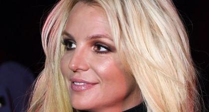 """Britney Spears Katakan Bahwa Rasanya """"Pahit"""" untuk Melihat Putranya Tumbuh Dewasa"""