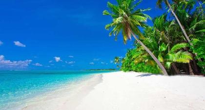 Selain di Bali, Intip 15 Pantai Cantik Milik Indonesia Ini