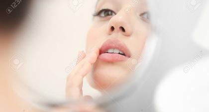 Inilah Penyebab Bibir Anda Kering dan Pecah-Pecah!