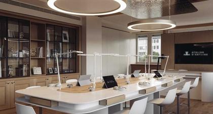"""Mengunjungi """"Atelier d'Antoine"""", Tempat Di Mana Jaeger-LeCoultre Memproduksi Jam Tangannya yang Menawan"""