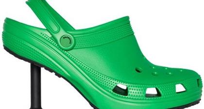 Inilah Wujud Sepatu Crocs Dengan Sentuhan DNA Balenciaga