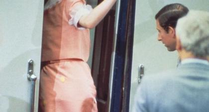 Terungkap, Ini Kisah Di balik Setelan Pink Ikonis yang Dikenakan oleh Putri Diana saat Pergi Berbulan Madu