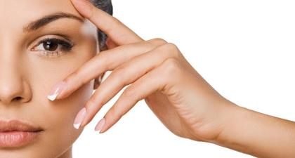 Bisa Mengurangi Dark Circles, Ini Manfaat Vitamin K untuk Kulit!