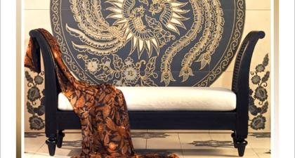 Pesona Batik Iwan Tirta Private Collection pada Medium Tile