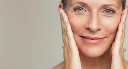 Rekomendasi Perawatan Area Mata untuk Usia 50 Tahun ke Atas