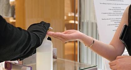 Protokol Kesehatan Ketat Diterapkan di Toko dan Mall Ini