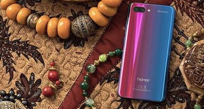 Smartphone Honor 10 Dirancang Untuk Pencinta Fashion
