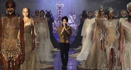 Show Couture Pertama Tex Saverio