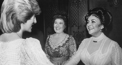 Inilah Penampilan 40 Selebriti Ketika Bertemu Putri Diana