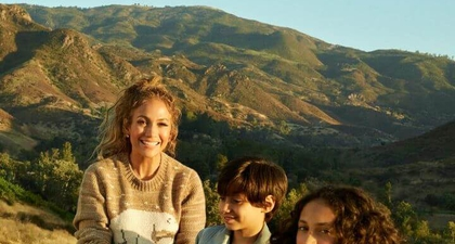 Jennifer Lopez Ditemani Kedua Anaknya dalam Kampanye Coach
