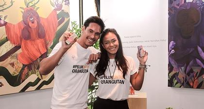 Adinia Wirasti dan Richard Kyle Menyelematkan Orangutan