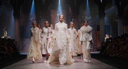 Eksplorasi Cheongsam Adrian Gan di Fashion Show Conquerence