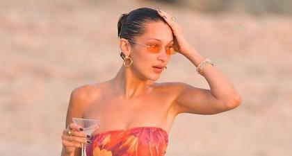 Bella Hadid Pergi ke Pantai dengan Baju Renang Seksi