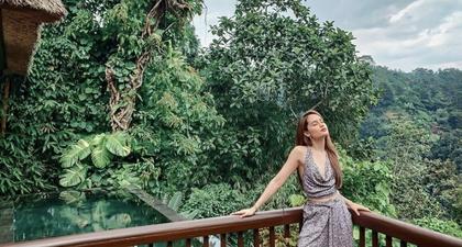 Busana Stylish Cinta Laura Saat Liburan Akhir Tahun di Bali Menarik Perhatian